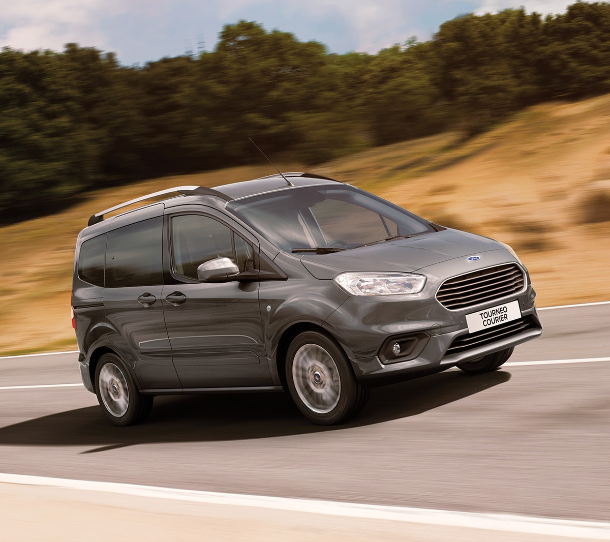 Ford Tourneo Courier en movimiento